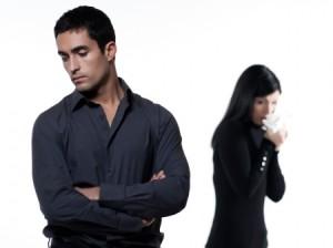 kvinna-grater-med-man